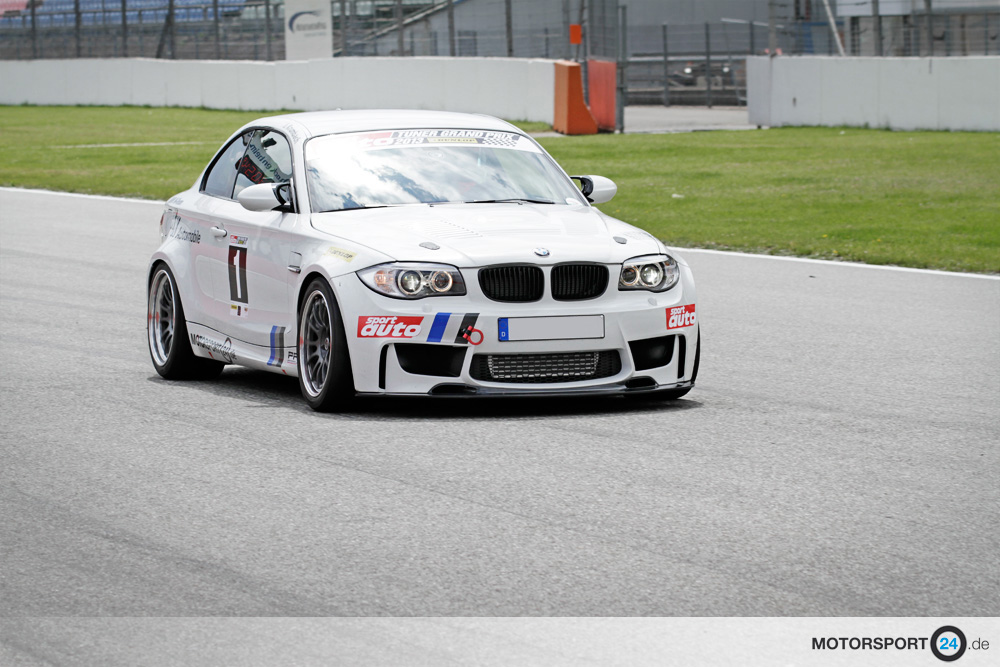 tuner gp 2013 1 10 3 avec une bmw 1m hockenheim s rie 1 m coup e82 m passion. Black Bedroom Furniture Sets. Home Design Ideas